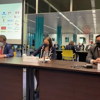 La Ministra de Industria, Comercio y Turismo, Reyes Maroto, clausura la Asamblea General de la Asociación de Ferias Españolas mostrando su apoyo al sector